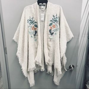 ACCESSORY ST | EMBROIDERED BLANKET SHAWL CARDIGAN